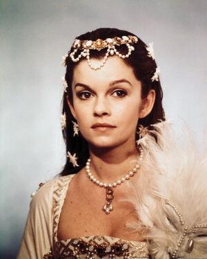 Anne-of-the-thousand-days-anne-boleyn-30616791-304-380