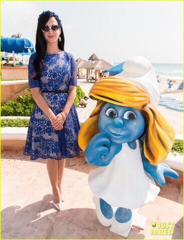 File:Smurfs Katy Pery.jpg
