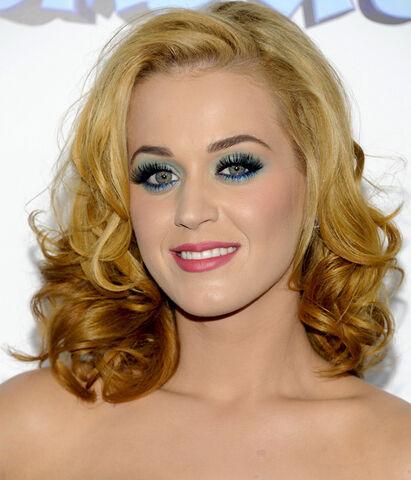 File:Katy-Perry-Smurfs-premiere-2011.jpg