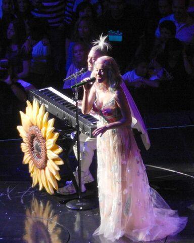 File:Katy Perry MSG 6.jpg
