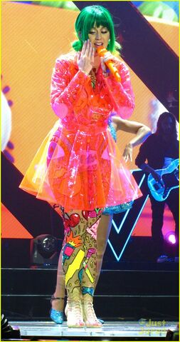 File:See-all-of-katy-perry-crazy-prismatic-tour-costumes-here-58.jpg