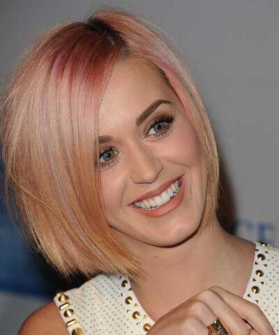 File:Katy-perry-new-hair-2-gi.jpg
