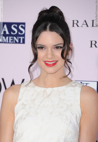 File:Kendall Jenner at The Vow premiere Los Angeles, Feb 6 '12 14.jpg
