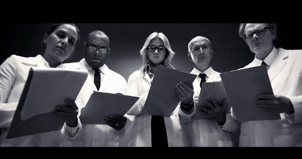 File:Kelly-clarkson-doctors-people-like-us-video.jpg