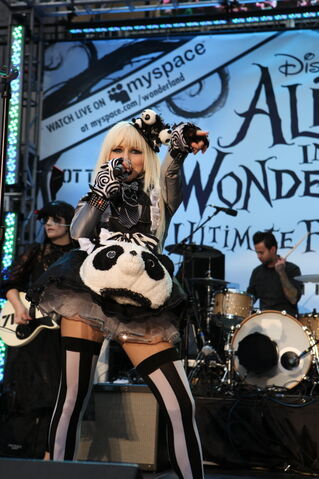 File:Alice In Wonderland Ultimate Fan Event (1).jpg