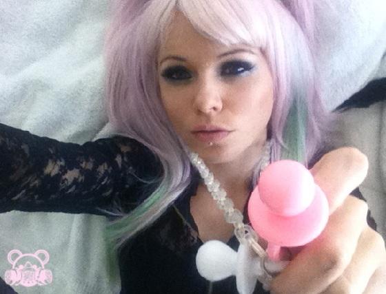 File:Kerli purple hair 8.jpg