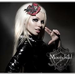 A thumb featuring Kerli and the site's crest