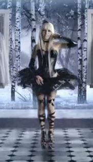 File:Kerli dresses Black.JPG