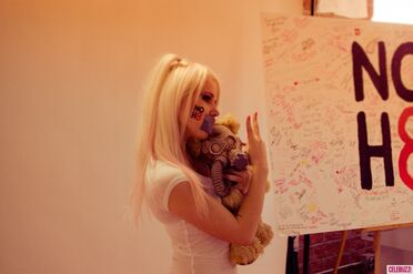 Kerli NOH8 Campaign Behind the Scenes Celebuzz 8