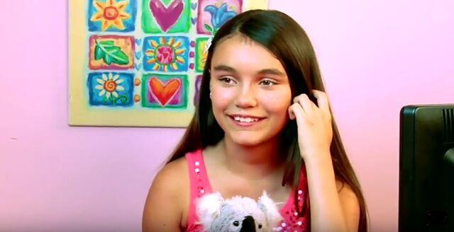 File:Athena from KR2 Selena Gomez.jpg
