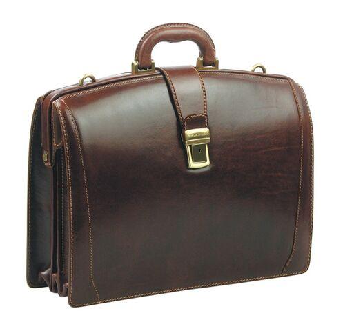 File:Briefcases-4454.jpg