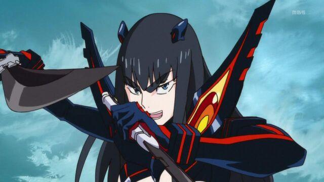 File:Satsuki wielding Bakuzan Kouryo and Gako.jpg