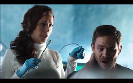 Pawter removes Neural Link from John Still Episode 7 002