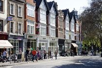 Great-shops-and-cafes-on-ealing-green