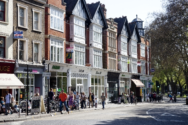 File:Great-shops-and-cafes-on-ealing-green.jpg
