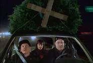 Episode 1x11 - Arthur Doug Carrie tree shopping