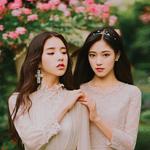 LOOΠΔ HeeJin and HyunJin promotional photo
