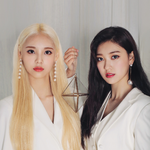 LOONA JinSoul Choerry promo photo