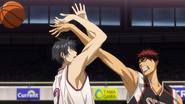 Kagami blocks Himuro's shot