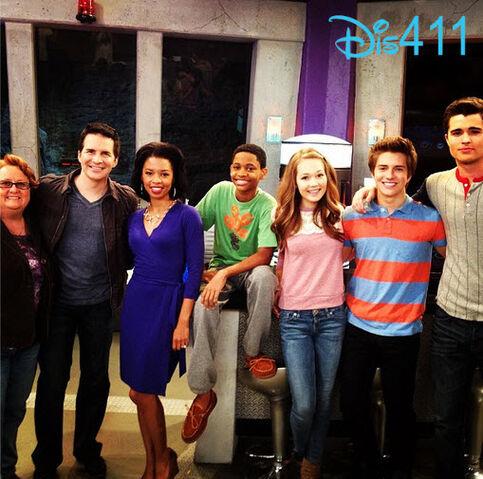 File:Lab-rats-cast-wrapped-season-2-april-23-2.jpg