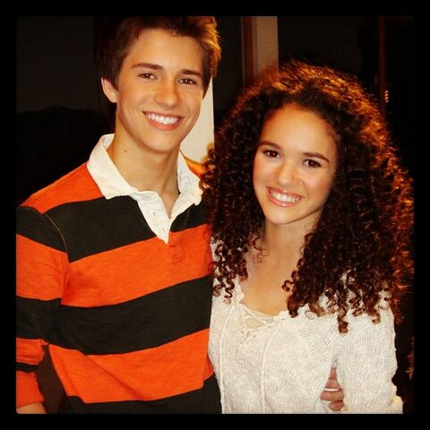File:Madison-pettis-lab-rats-billy-unger.jpg