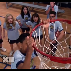 Leo doing a slam dunk