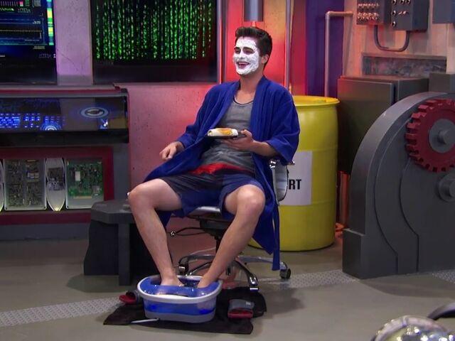 Plik:Adam's spa day.jpeg