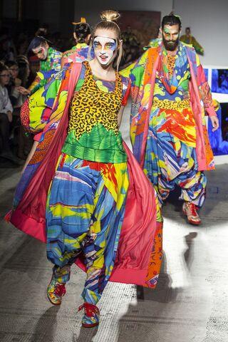 File:Kansai Yamamoto - ''Fashion In Motion'' 2013 Collection 001.jpg