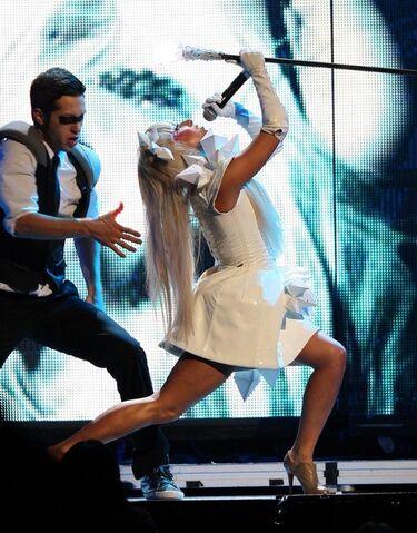 File:Lady Gaga Performing Live Concert UesI5ZW3plQl.jpg
