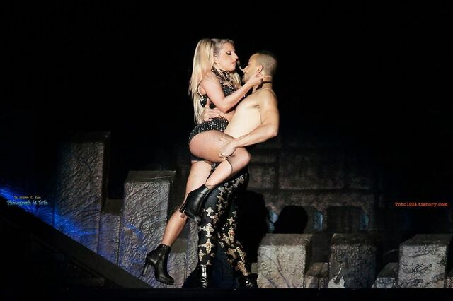 File:The Born This Way Ball Tour The Edge of Glory 002.jpg