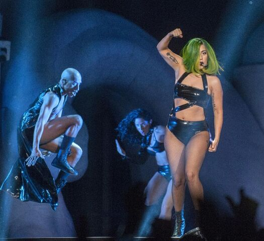 File:9-19-14 Judas artRAVE the ARTPOP ball.jpg