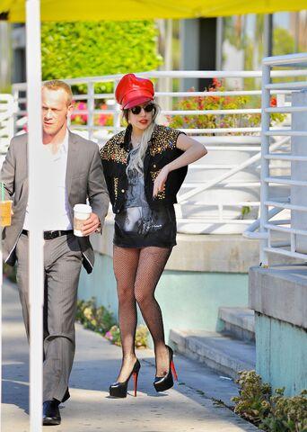 File:11-05-27 Starbucks Los Angeles.jpg