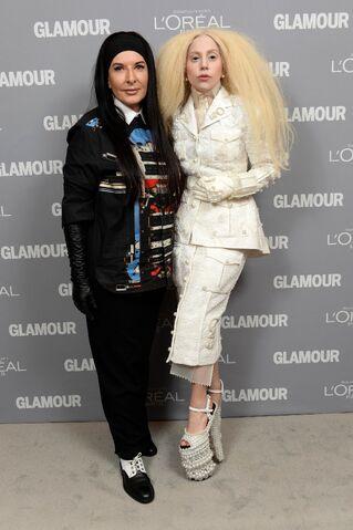 File:11-11-13 Glamour Magazine Women of the Year Awards Red Carpet 004.jpg