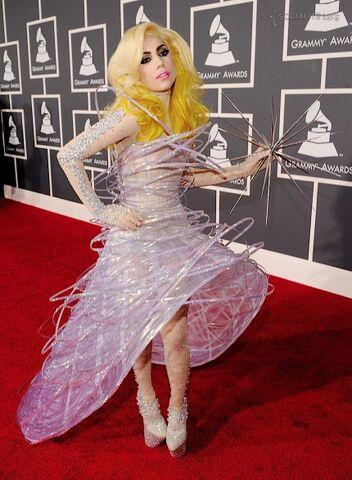 File:Lady-gaga-2010-grammy-awards-red-carpet-photos-01312010-02-430x586.jpg