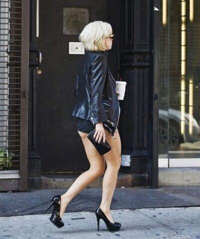 File:9-23-10 Lady Gaga walking in the streets.jpg
