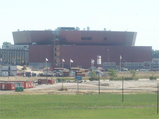 File:Molmo Arena.jpg