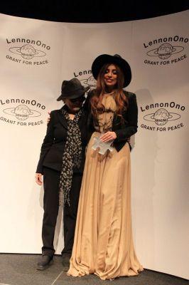 File:10-9-12 LennonOno Grant for Peace Awards 2012 003.jpg