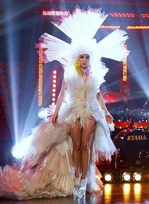 File:Lady Gaga on Jonathon Ross 3-5-10 photo HQ 15.jpg