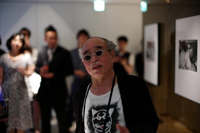 File:Ginza gallery tokyo (Araki 2010).png