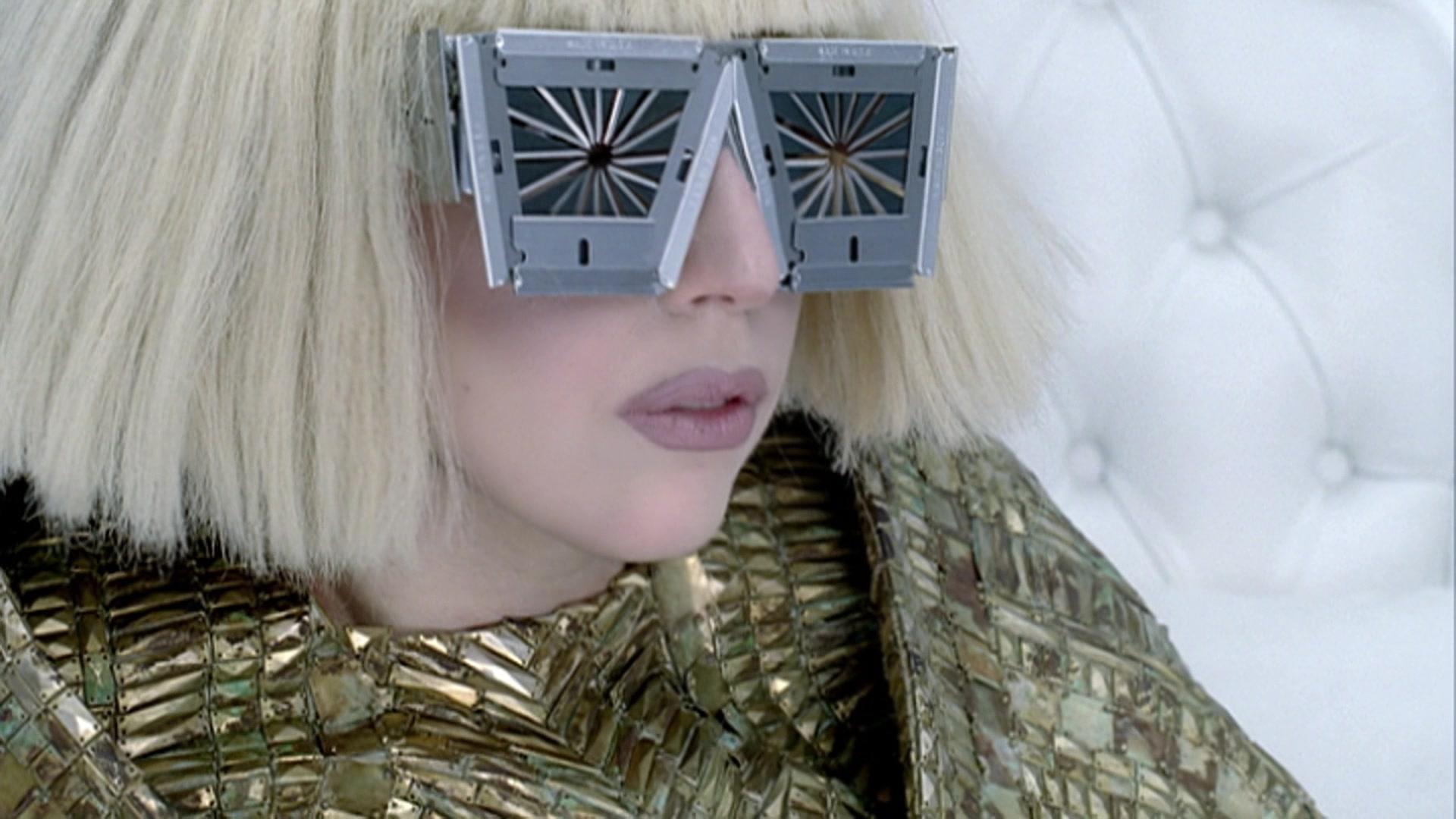 File:Lady Gaga - Bad Romance 003.jpg