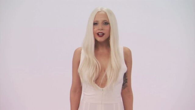 File:7-28-11 Jimmy Kimmel Live! - Gaga Googoo 002.jpg