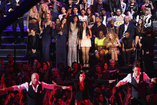 File:8-25-13 MTV VMA's Audience 006.jpg