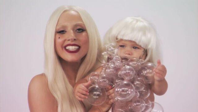 File:7-28-11 Jimmy Kimmel Live! - Gaga Googoo 001.jpg