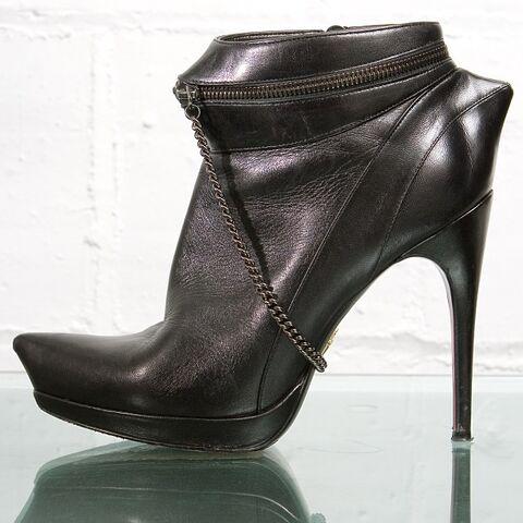 File:Cesare Paciotti for Ohne Titel Boots.jpg