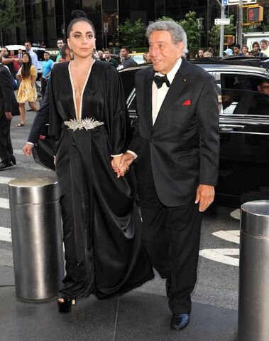 File:7-28-14 Arriving at Lincoln Center in NYC 001.jpg