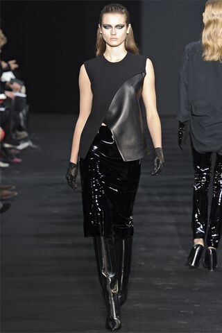 File:Costume National - AW1213C 002.jpg