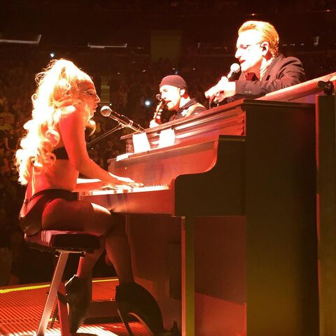 File:7-26-15 Performance at U2 Concert Innocence +Experience Tour at MSG in NYC 001.jpg