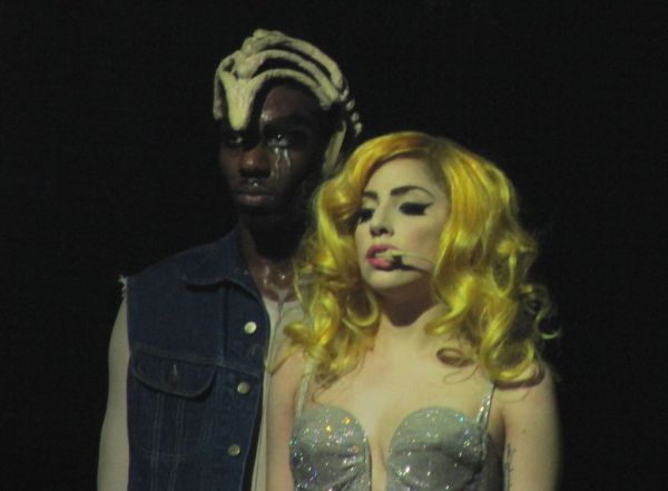 File:1-2-10 Monster Ball 001.jpg