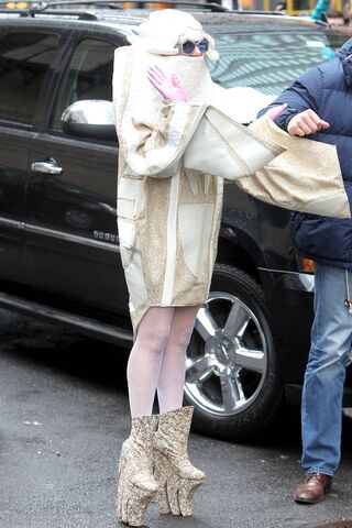 File:3-28-14 Arriving at Roseland Ballroom in NYC 001.jpg