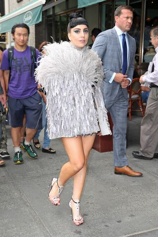 File:7-29-14 Arriving her apartment in NYC 001.jpg